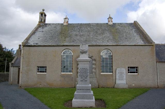 Derelict church at Kirkton