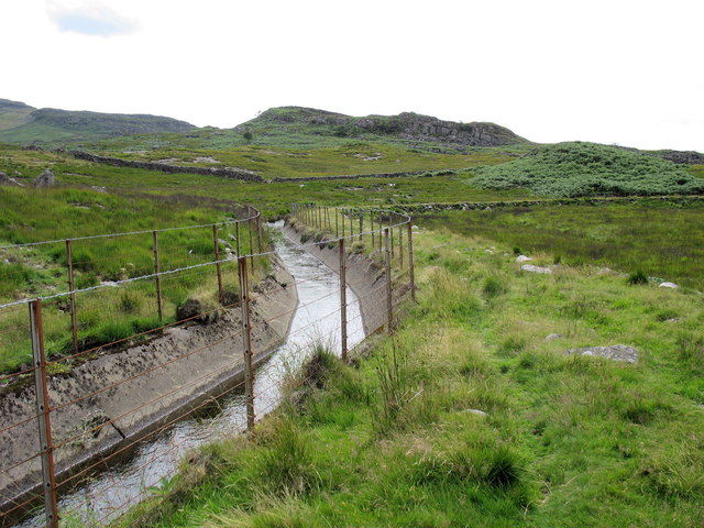 View west along the conduit bringing water from Nant Ddu to Llyn Trawsfynydd