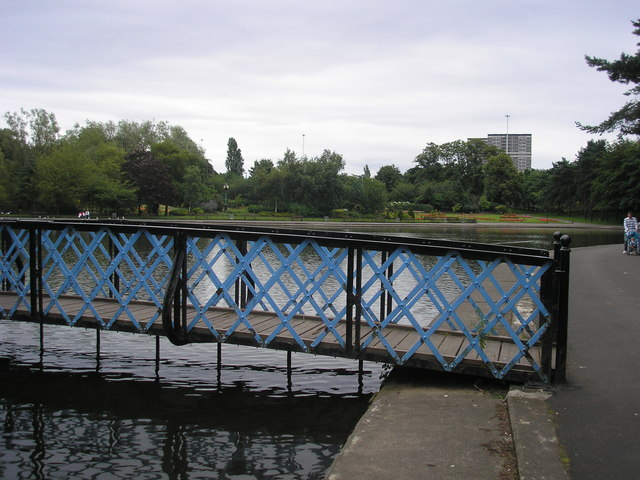 Victoria Park - Bridge over the Pond