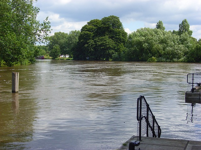 The River Thames, Reading
