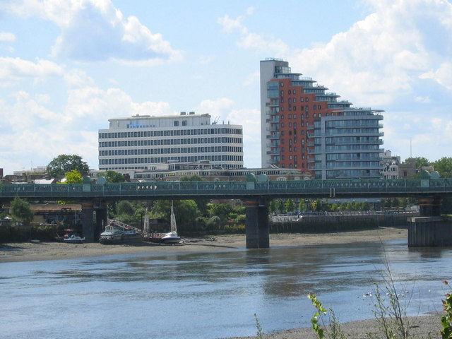 Putney Wharf & Putney Train Bridge