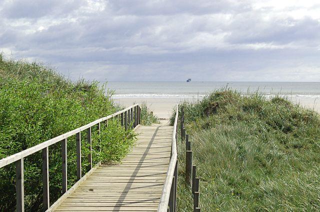 West Sands walkway