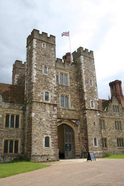 Knole, west front gatehouse