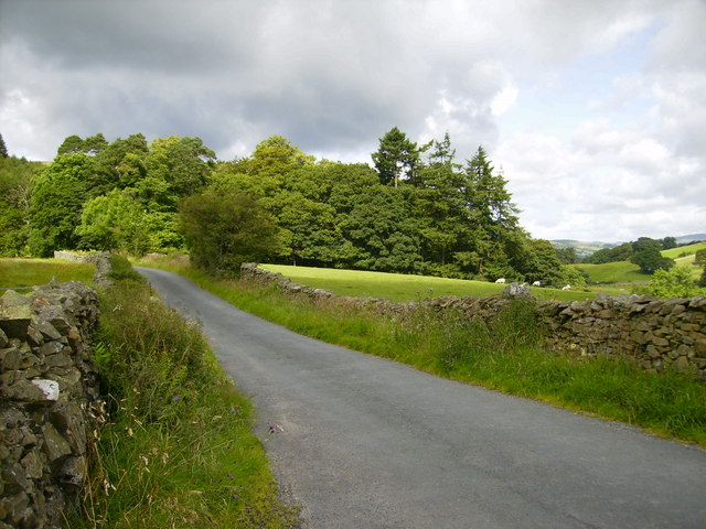 The back road in Dentdale near to Lenacrre