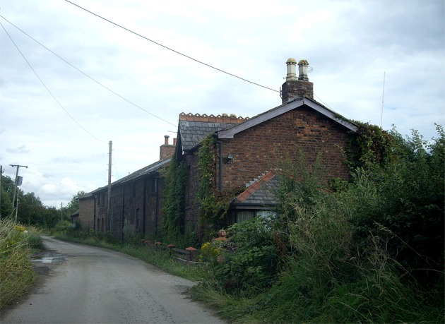 Old farm buildings, Oglet Lane