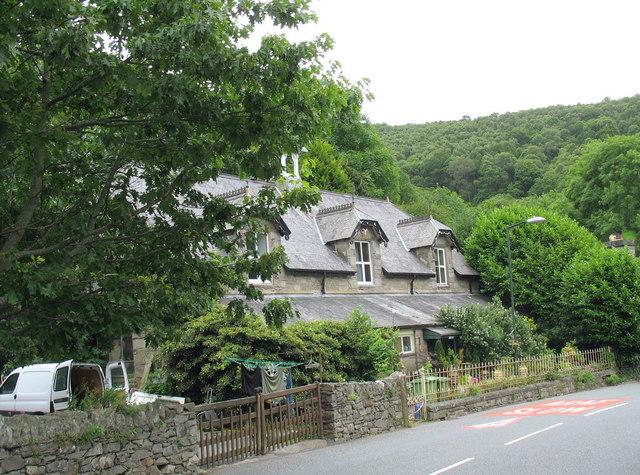Yr Hen Ysgol - The Old School, Maentwrog