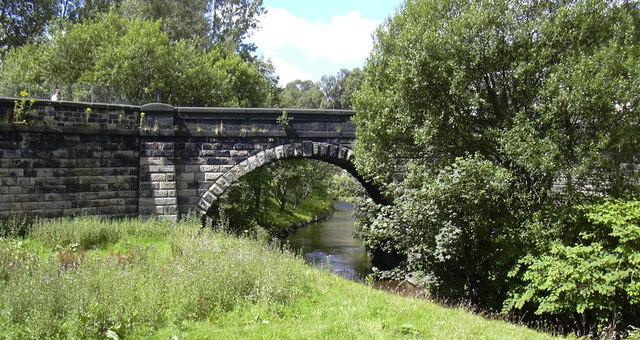 Woodhouse Road Bridge over the Calder