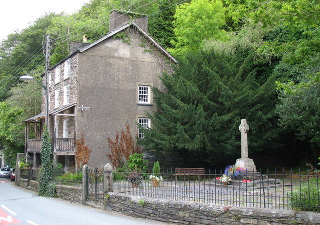 The War Memorial, Maentwrog