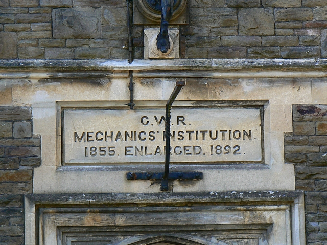 GWR Mechanics' Institution, Emlyn Square, Swindon (4)