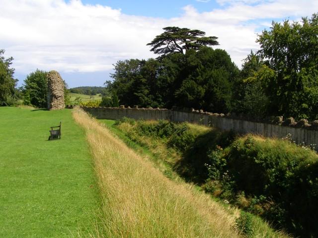 Southern defences, Sherborne Old Castle