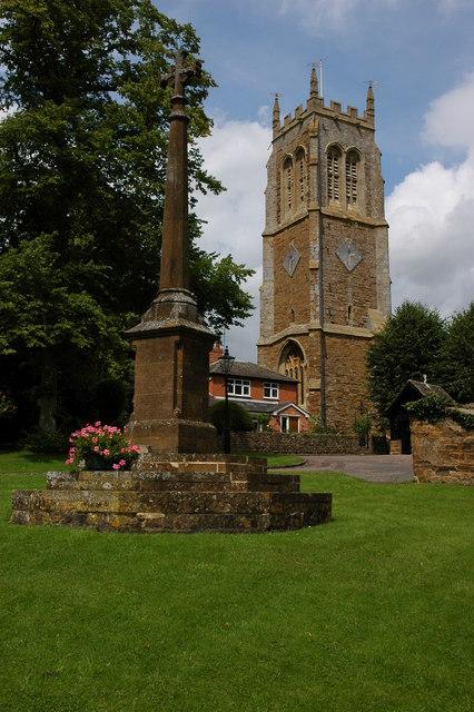 Lower Brailes Church and War Memorial