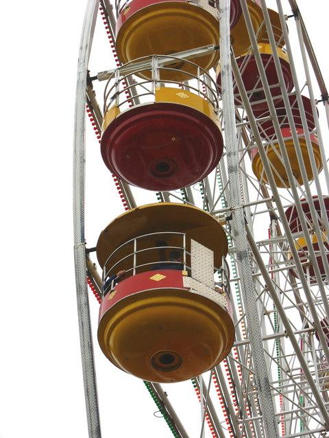 Yr Olwyn Fawr ar Y Maes. The Big Wheel on the Square