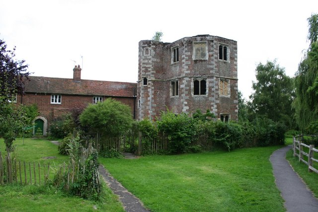 Palace ruins and cottages