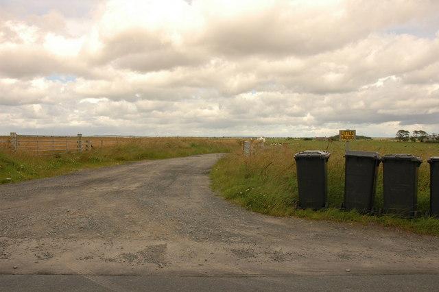 Farm road to Little Haddo