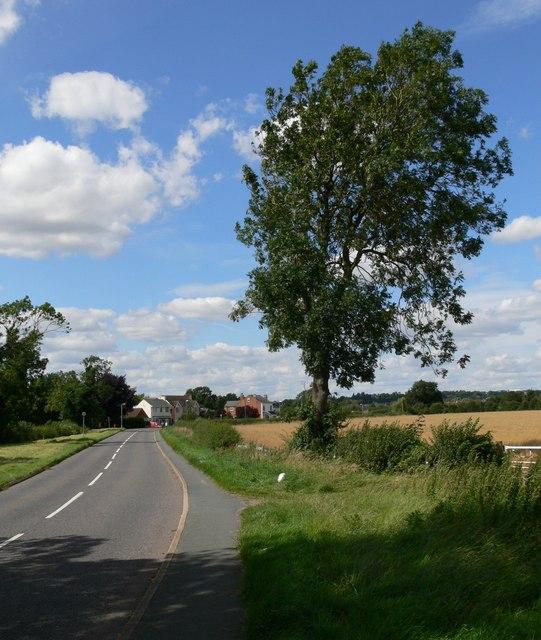 Narborough Road towards Littlethorpe