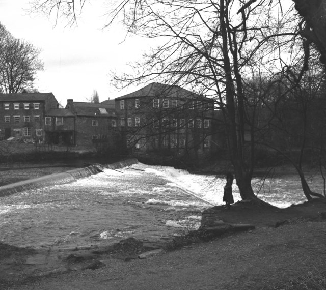 Weir on River Nidd, Knaresborough, Yorkshire