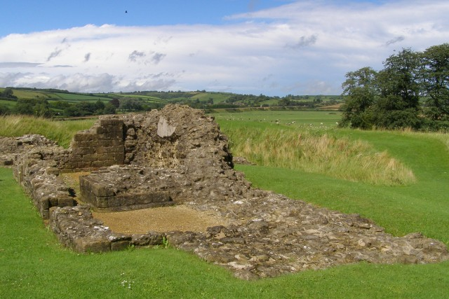 Remains of the north-east gatehouse, Sherborne Old Castle