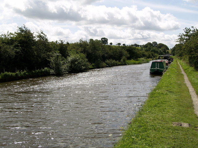 The Leeds & Liverpool Canal at Bank Newton