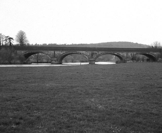 Basildon Railway Bridge, River Thames