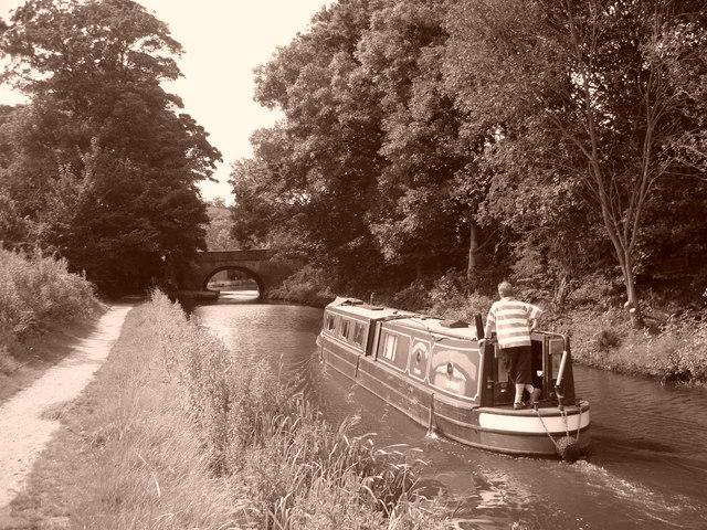 Rochdale Canal, Tenterfields