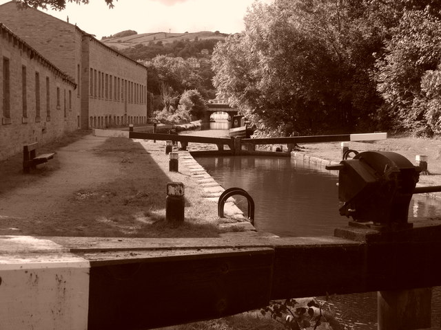 Hebden Bridge Locks (East)