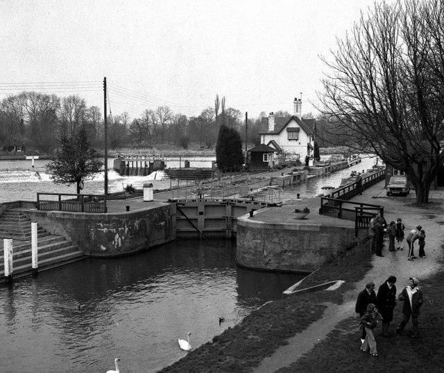 Goring Lock, River Thames
