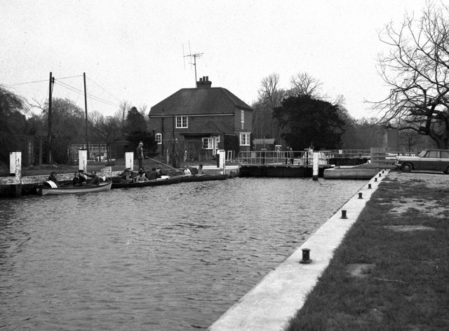 Cleeve Lock, River Thames