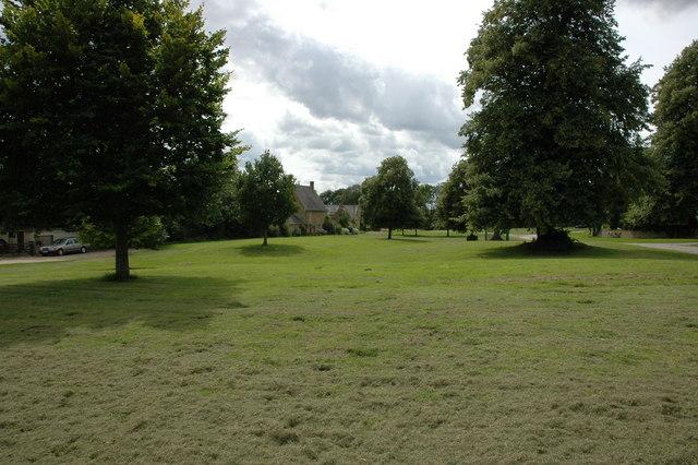 Sutton-under-Brailes Village Green
