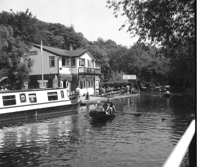 Leroy's Boathouse, River Wey, Guildford