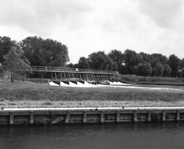 Benson Weir, River Thames