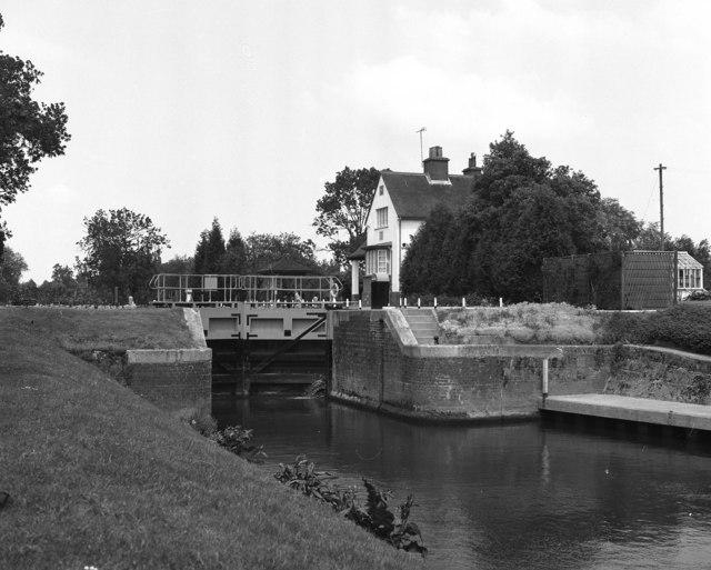 Benson Lock, River Thames