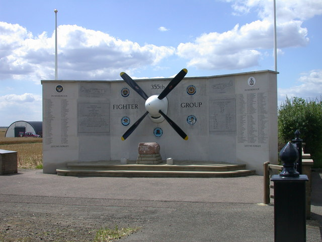 Memorial to 355th Fighter Group, USAAF