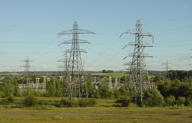 Pylons near Willington