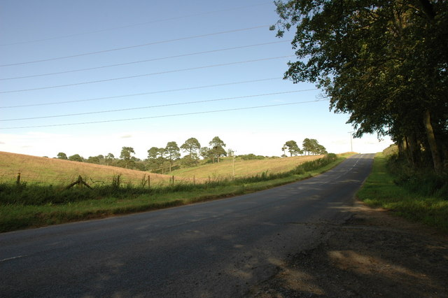 Road near Milton of Ardlethen