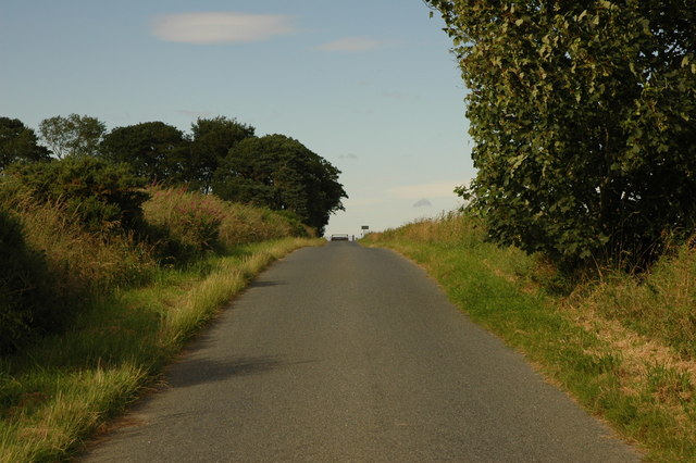 Minor road looking toward Douglashead Farm