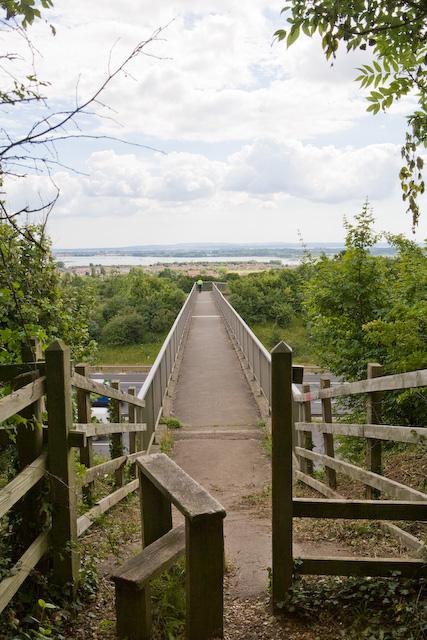 Footbridge over the M27 leading to Upper Cornaway Lane