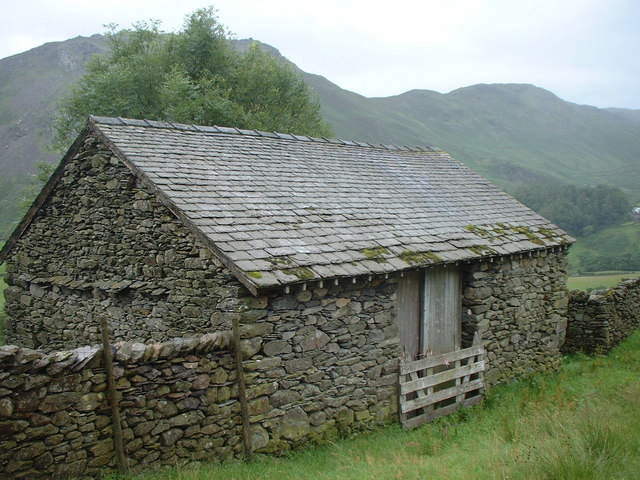 Field Barn by Tongue Gill footpath