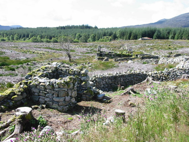 Ruins near Graigddu-isaf