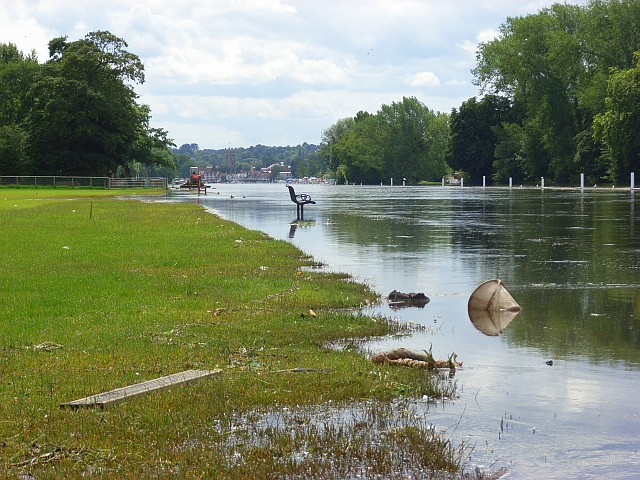 The River Thames, Remenham