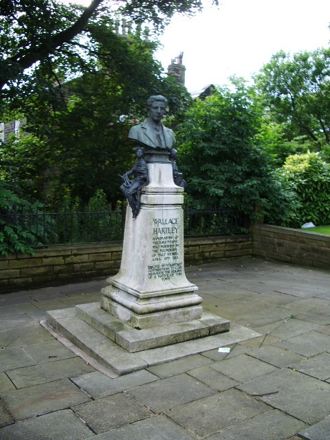 Memorial to Wallace Hartley