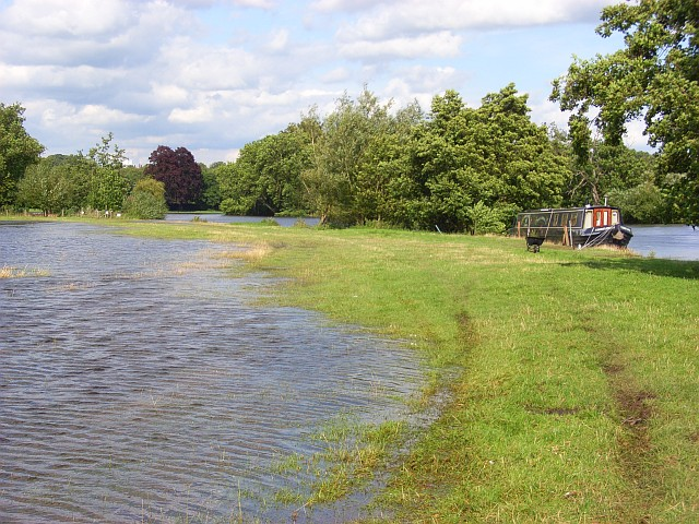 The River Thames, Medmenham