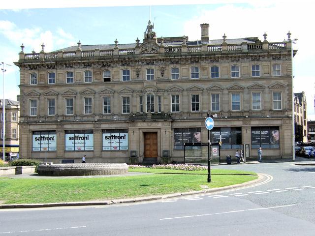 Britannia Buildings, St George's Square