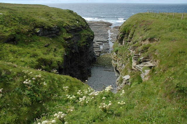 Geo near Outshore Point, Marwick, Birsay