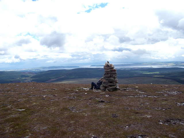The summit cairn of Torr Leathann.