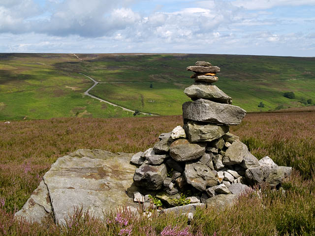 Cairn on Little Hograh Moor