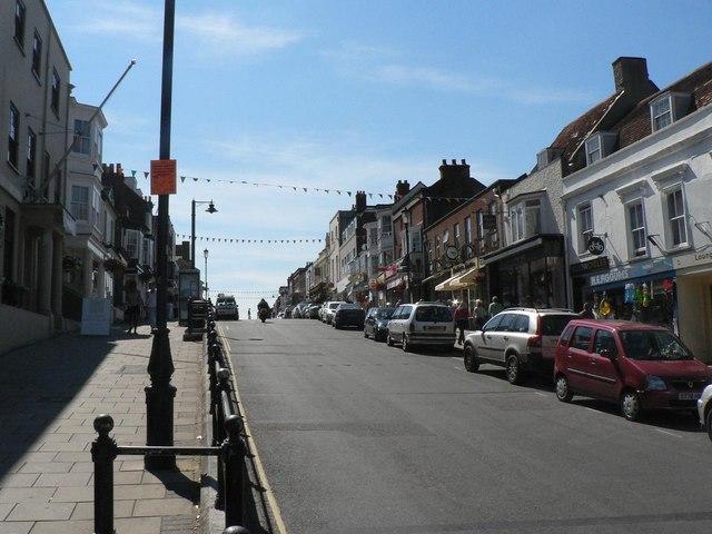 Lymington: High Street (lower part)