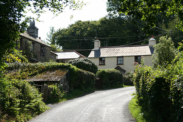 Lewannick: cottages at Hick's Mill