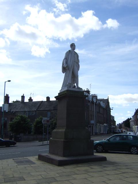 Sir Robert Peel statue in Montrose