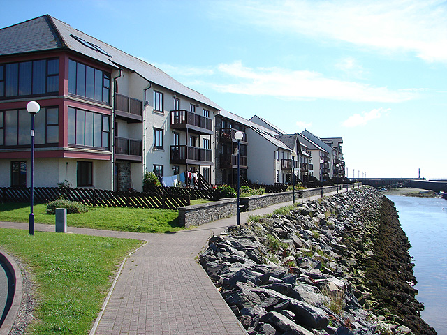 Marina-side Apartments