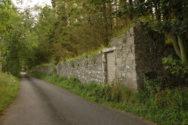 Country road and wall near Haddo House